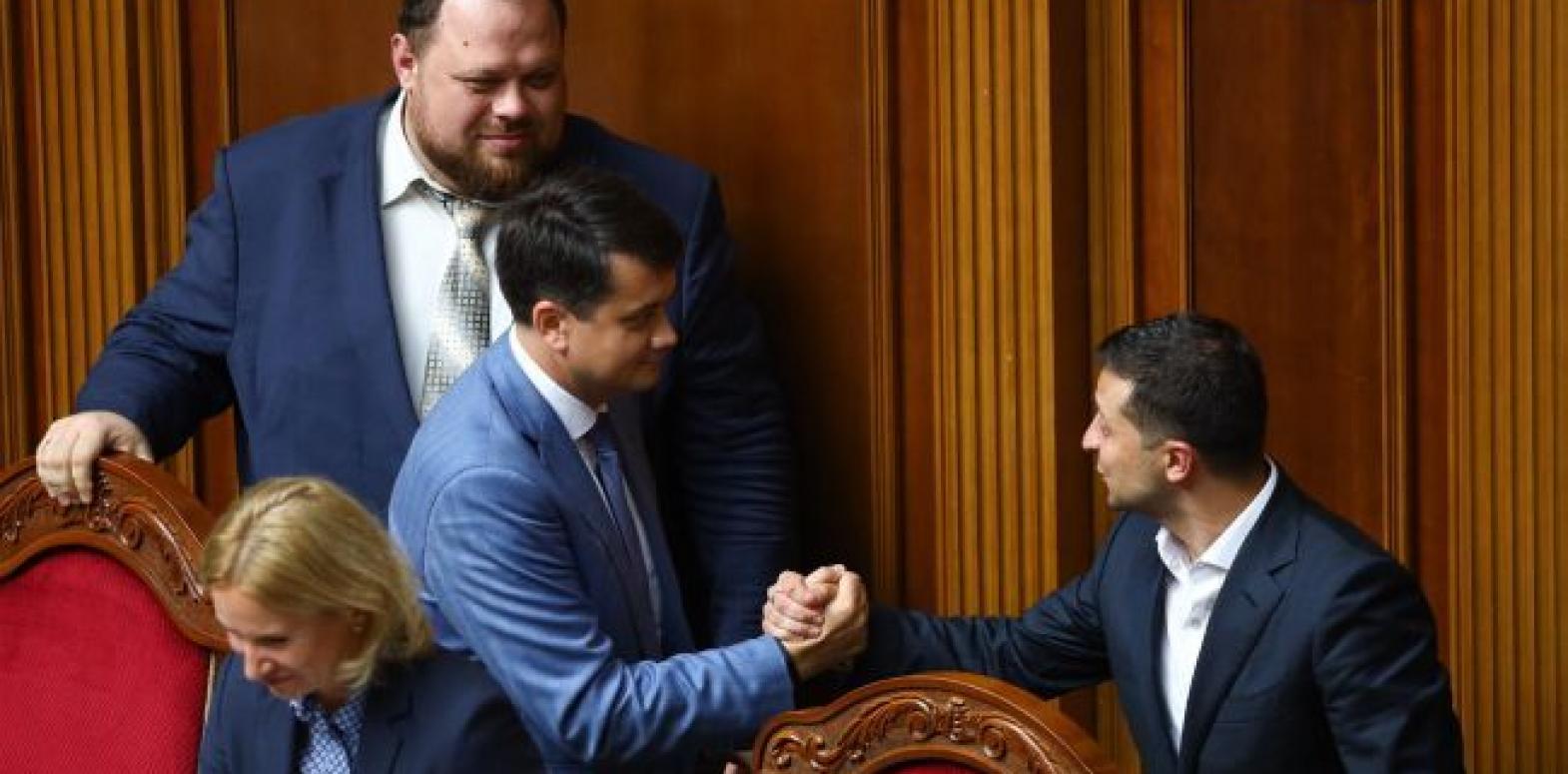 Украинцы сравнили действующую власть с предыдущей