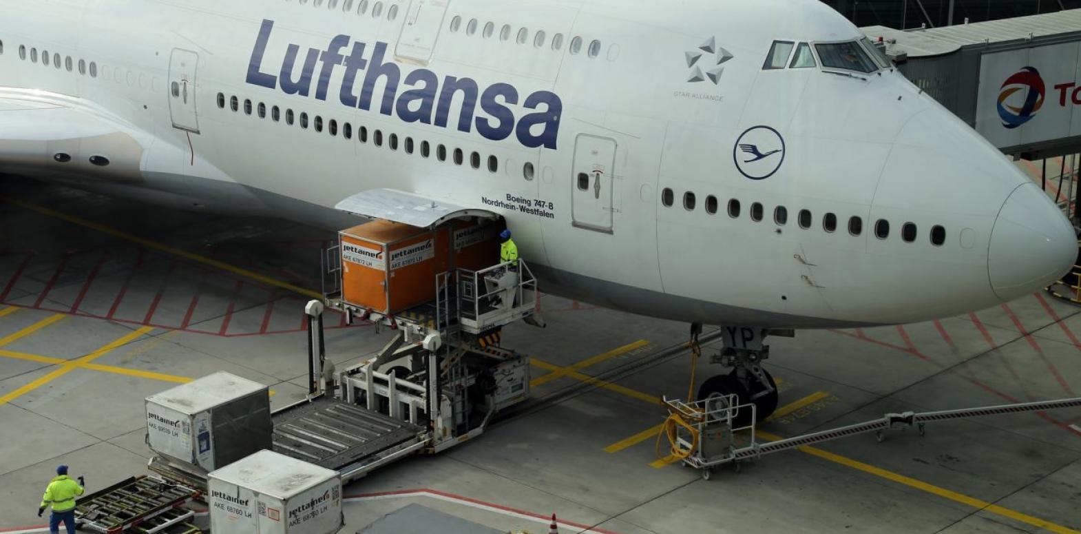 Власти Германии выкупят 20% акций Lufthansa