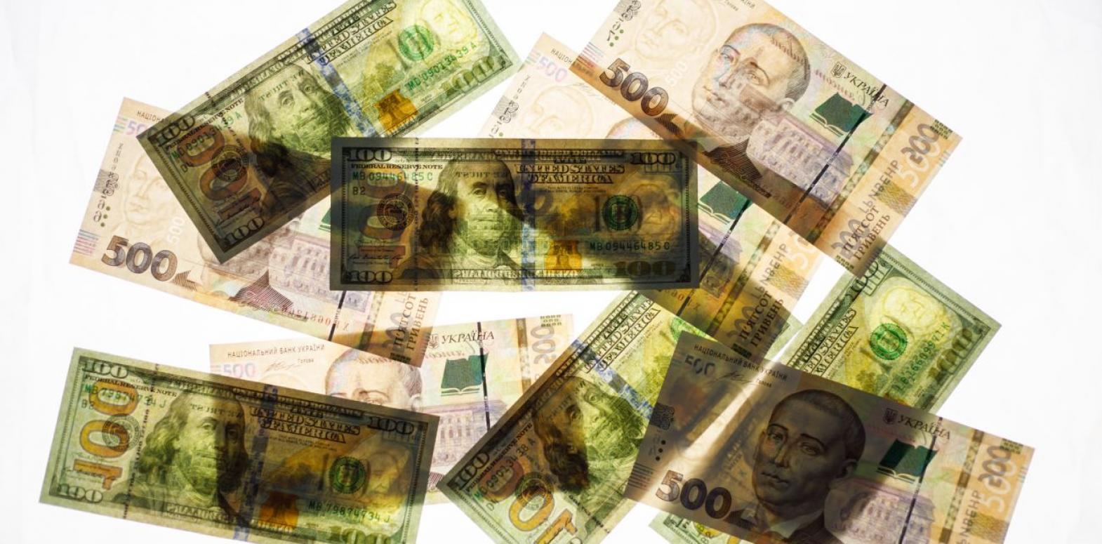 Курс доллара снижается третий день подряд