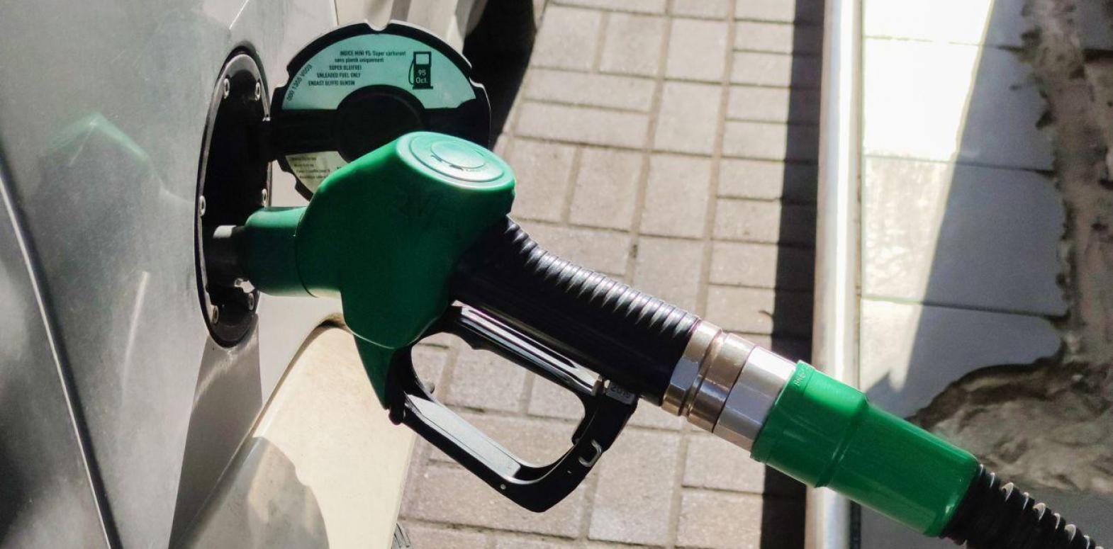 Бензин и дизтопливо резко подорожали после публикации новой максимальной цены